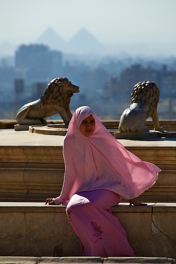 Fashion and Style - Lady in Pink - Cairo, Egypt - Copyright 2010 Ralph Velasco.jpg