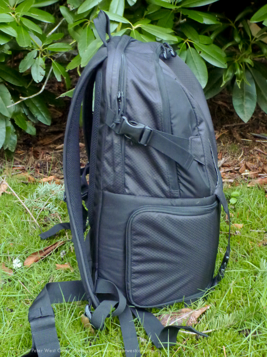 Photography Blogs Lowepro Dslr Video Fastpack 350 Aw Review Pack 250aw That Side Compartment Has A Unique Bit Of Divider Creates False Bottom And Its Good Thinking Lowepros Part Because If It Was Not There