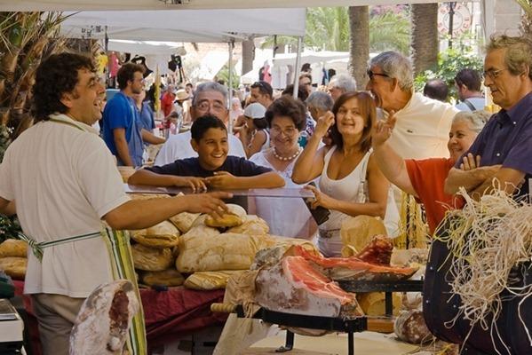 market day in Porto Maurizio